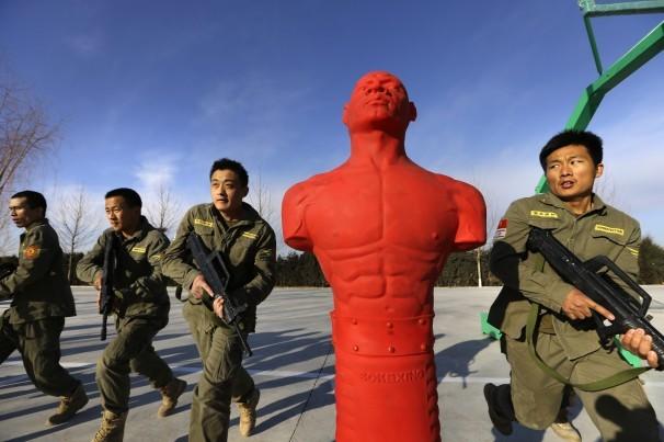 Sự khắc nghiệt trong trường đào tạo vệ sĩ của Trung Quốc 9