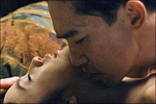 Bí mật cảnh nóng bị cắt của Thành Long - Lý Băng Băng 9