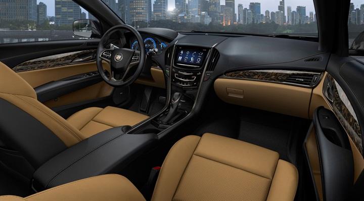 Detroit Auto Show 2014 : Cadillac ATS Coupe : BMW 4 hãy coi chừng 8