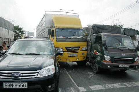 Tai nạn giao thông nghiêm trọng, QL 1A  tắc nghẽn gần 3 giờ 5