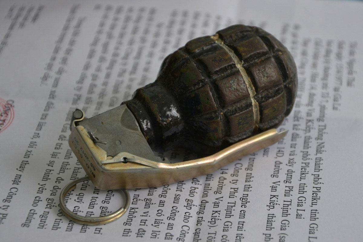 Tặng lựu đạn, thư đe dọa cho Chủ tịch huyện 5