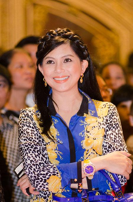 """Mẹ chồng Hà Tăng – nữ đại gia U40 sành điệu """"đè bẹp"""" gái trẻ 6"""
