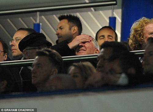 Sir Alex ôm mặt, David Beckham cổ vũ cho Chelsea 6