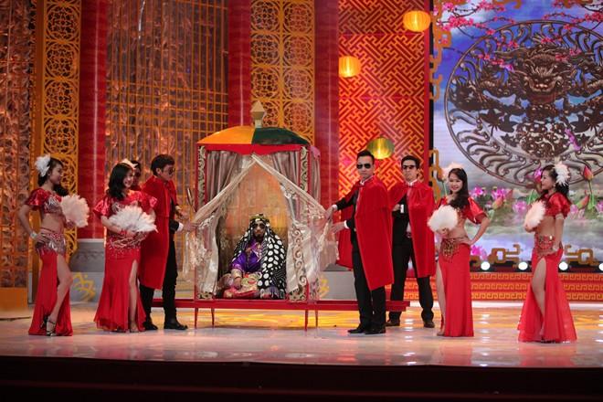 Trai đẹp bị trục xuất, 'Con bướm xuân' lên sân khấu Táo quân 9