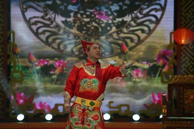 Trai đẹp bị trục xuất, 'Con bướm xuân' lên sân khấu Táo quân 11