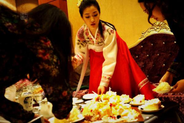 Đến nhà hàng Trung Quốc, ngắm kiều nữ Triều Tiên 11