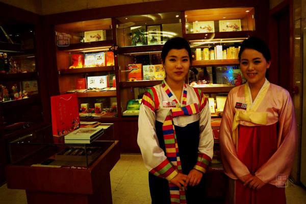 Đến nhà hàng Trung Quốc, ngắm kiều nữ Triều Tiên 27