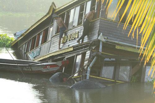 Từ vụ cháy tàu cánh ngầm: Những chuyến tàu ám ảnh khách du lịch 6