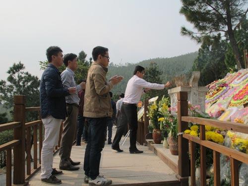 Nườm nượp khách viếng mộ Đại tướng dịp cuối năm  6