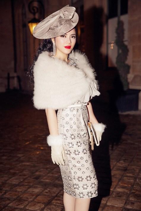 Lý Nhã Kỳ ghi dấu ấn với phong cách cổ điển ở tuần lễ thời trang Paris  15