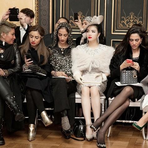 Lý Nhã Kỳ ghi dấu ấn với phong cách cổ điển ở tuần lễ thời trang Paris  8