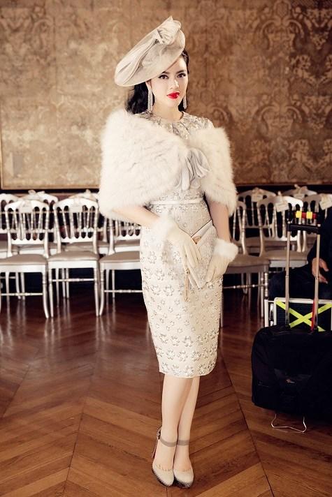 Lý Nhã Kỳ ghi dấu ấn với phong cách cổ điển ở tuần lễ thời trang Paris  10