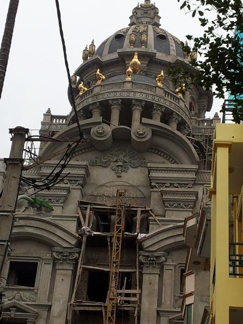 Choáng váng lâu đài trăm tỉ dát vàng nguy nga của đại gia Cầu Giấy 9
