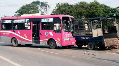 Ngày đầu năm xảy ra 55 vụ tai nạn giao thông 6