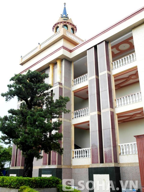 Dinh thự Trầm Bê: Tòa nhà xấu xí bậc nhất Việt Nam?? 9