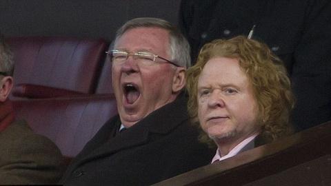 Man Utd 2-2 Fulham: Sir Alex ngáp ngủ nhìn Man Utd đá 5