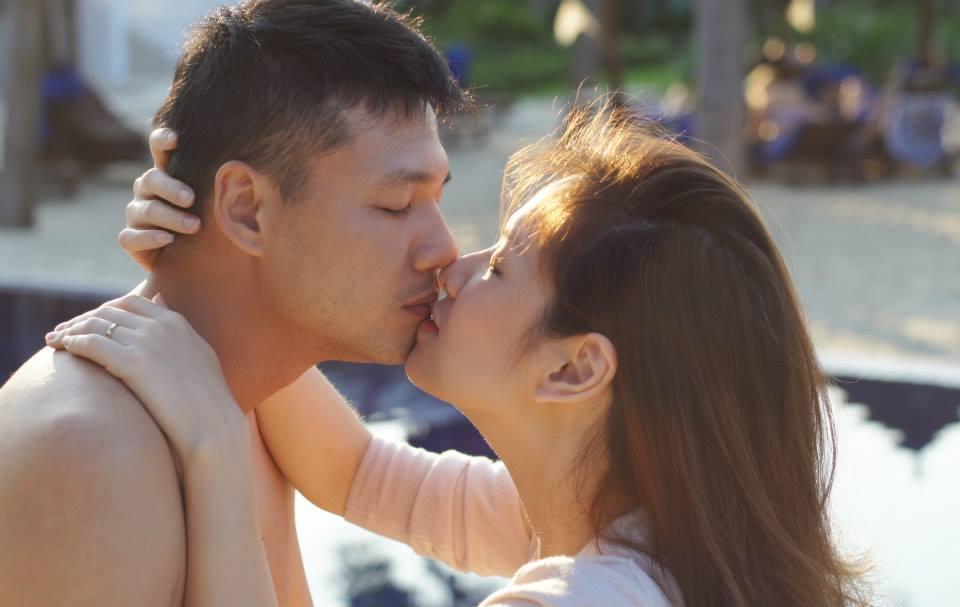 Ngắm ảnh đời thường tràn ngập nụ hôn của gia đình Đan Lê marry