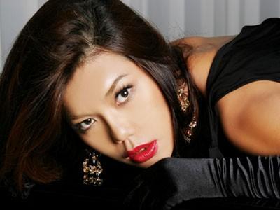Ca sĩ chuyển giới Cindy Thái Tài bất ngờ mang song thai 6