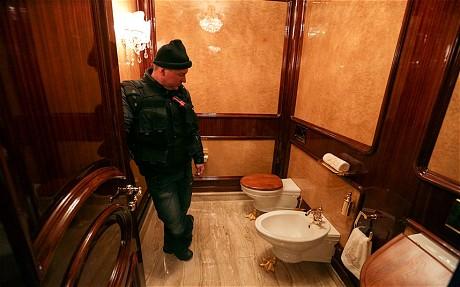 Cận cảnh dinh thự xa hoa của tổng tống Ukraine 9