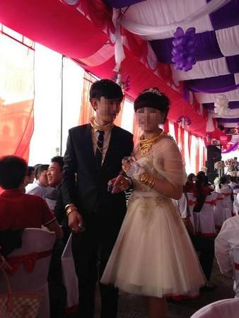 Đám cưới đầy vàng và xe phân khối lớn tại phố núi Hà Tĩnh 12