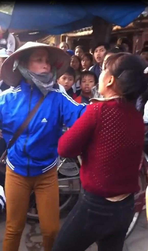 Clip nữ sinh Hà Nội đánh nhau với phụ huynh: Công an vào cuộc 5