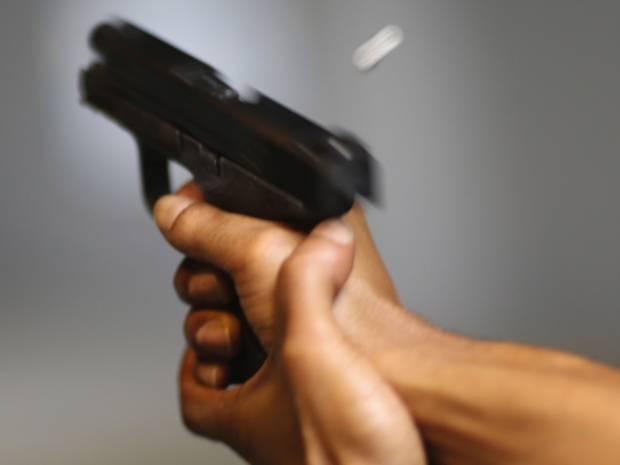 Bắn chết mình khi đang dạy bạn gái sử dụng súng an toàn 6