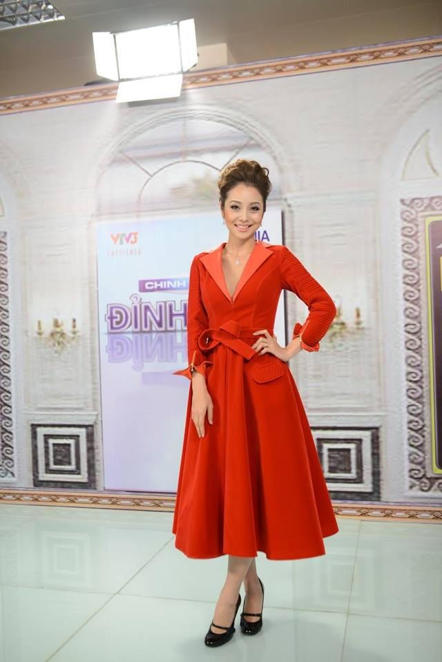 Jennifer Phạm đẹp mê mẩn với sắc đỏ 7