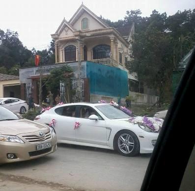 Cận cảnh đám cưới ngập vàng và siêu xe ở phố núi Hà Tĩnh 6