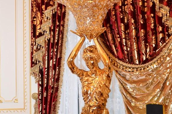 Sốc: Dinh thự như cung điện hoàng gia của cựu quan chức Ukraine 8