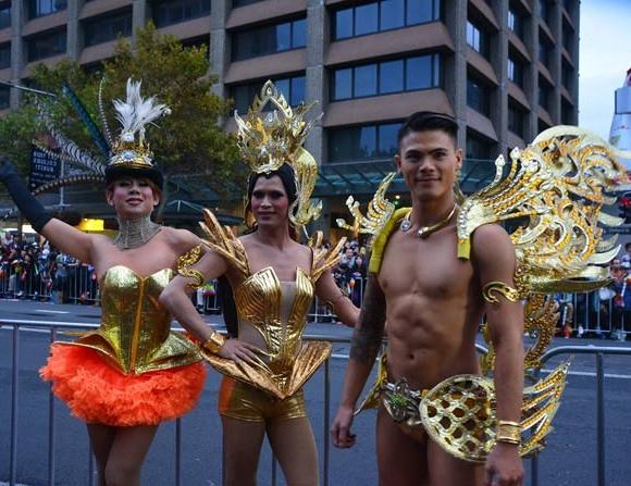 Cận cảnh lễ hội đồng tính lớn nhất thế giới 7