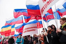 Xem dân Nga tràn xuống đường biểu tình ủng hộ Ukraine 7