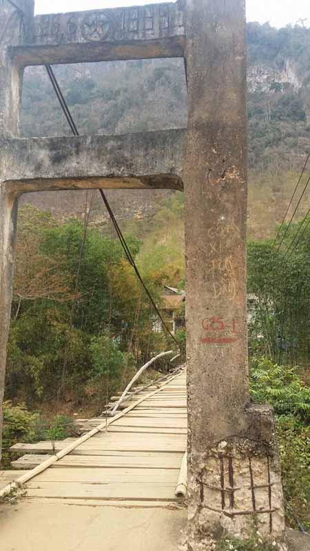 Cận cảnh những cây cầu treo