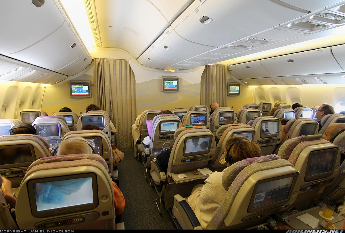 Bên trong máy bay Boeing 777 Malaysia mất tích 8