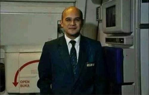 Hình ảnh Máy bay Malaysia mất tích: Bố nhanh về nhé! số 2