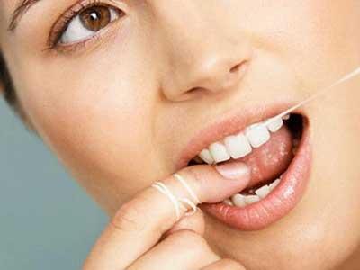 Dùng tăm xỉa răng sau khi ăn là thói quen tai hại 4