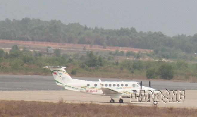 """Máy bay bầu Đức """"lượn lờ"""" ở khu cứu nạn máy bay Malaysia 6"""
