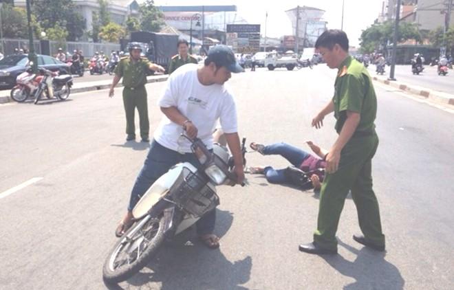 Mâu Thanh Thủy bị thương nặng nhất trong số các sao Việt từng bị cướp 6