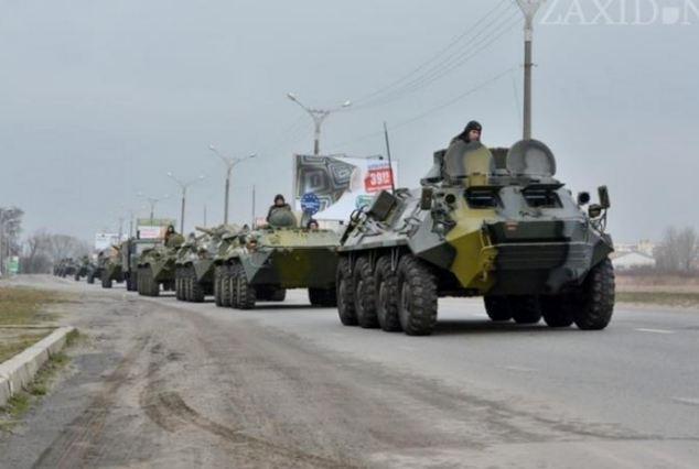 Quan chức Ukraine: Xe tăng, lính Nga chỉ còn cách Kiev 2h chạy xe 7