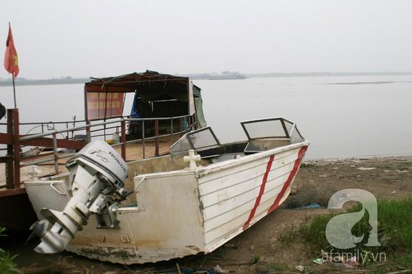 Ông chủ vườn đào bỏ hàng trăm triệu sắm thuyền vớt xác không công 14