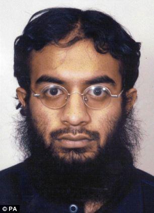 Phi công Malaysia tham gia tổ chức khủng bố đánh bom máy bay 5