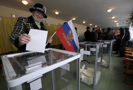 Bỏ phiếu tại Crimea: Hơn 90\% người dân muốn ly khai 5