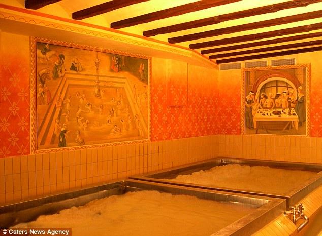 Dịch vụ tắm bia hầm ngầm hút khách 4