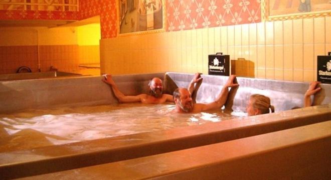 Dịch vụ tắm bia hầm ngầm hút khách 3