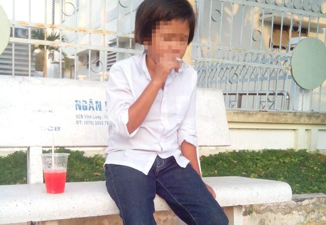 Bé gái 11 tuổi nghiện thuốc lá nặng sau khi bị cưỡng hiếp  6