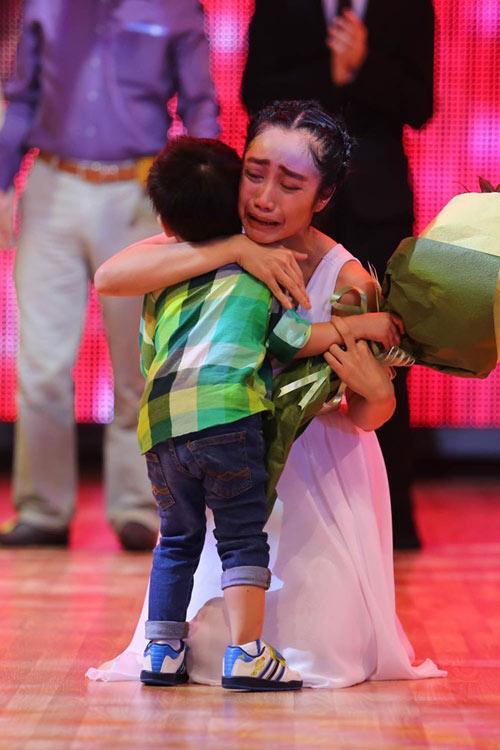 Ốc Thanh Vân: Chồng thấy bình thường khi tôi hôn bạn nhảy 9