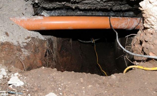 Đào hơn 15 mét đường hầm để trộm máy rút tiền tự động 6