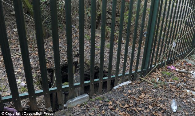 Đào hơn 15 mét đường hầm để trộm máy rút tiền tự động 10