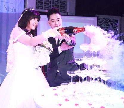 Rapper Mr. A rạng rỡ bên cô dâu trong ngày cưới 23