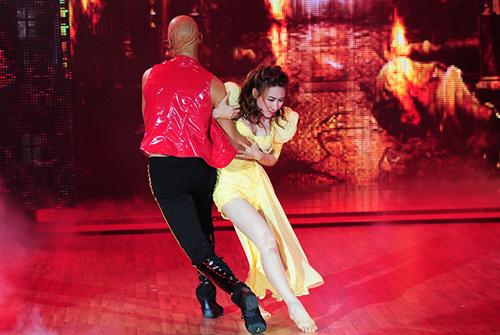 Bước nhảy hoàn vũ 2014: Ngân Khánh, Thu Thủy cùng giành giải Vàng  6
