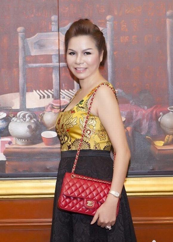 Nữ đại gia U50 Việt chi 1 tỷ đồng thẩm mỹ thành Hoa hậu 9